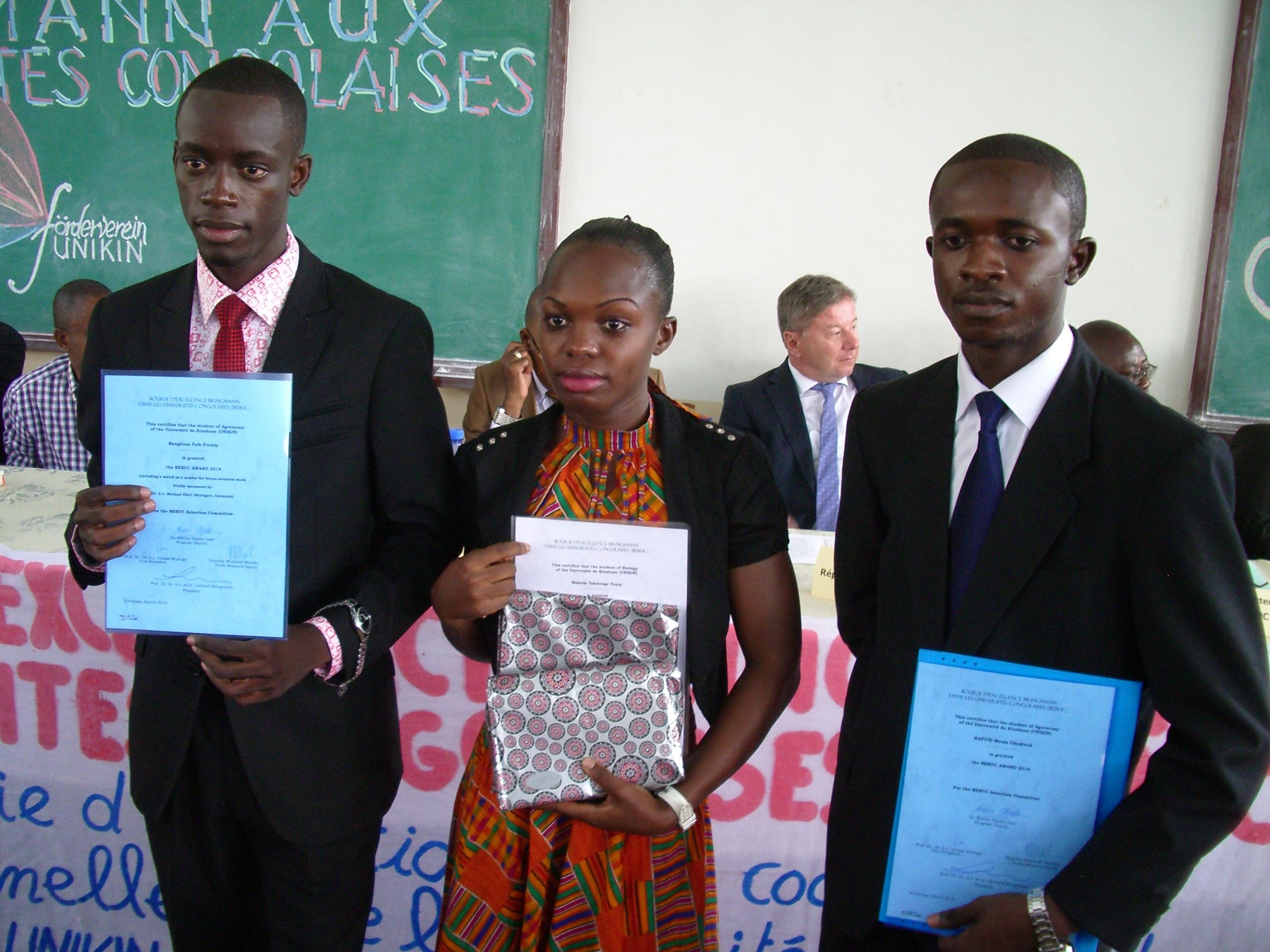 10 Stipendienprogramm weiter ausgebaut